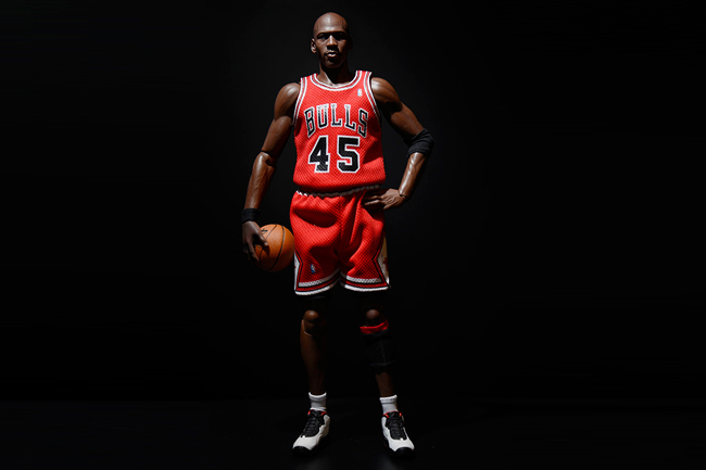 1-6-limited-edition-real-masterpiece-michael-jordan-series-1-im-back-by-enterbay-2